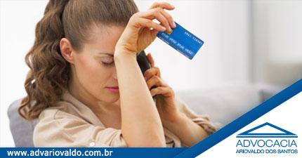 Banco é condenado pela Justiça a recalcular dívida de cartão de crédito